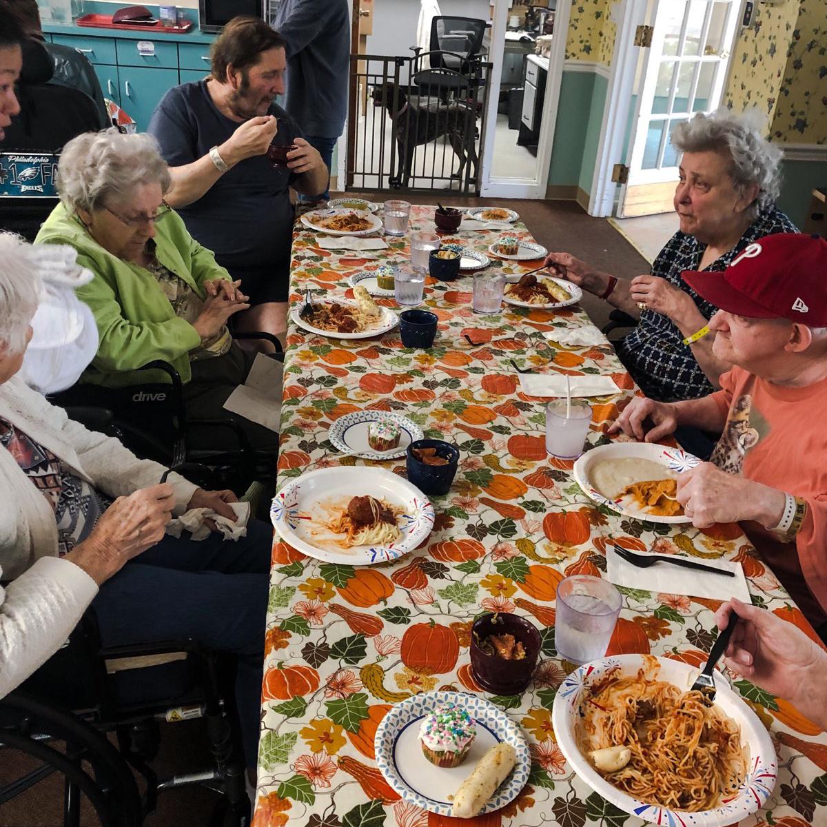 Image of Seniors eating dinner at Kadima at Campbelltown Nursing and Rehabilitation Facility