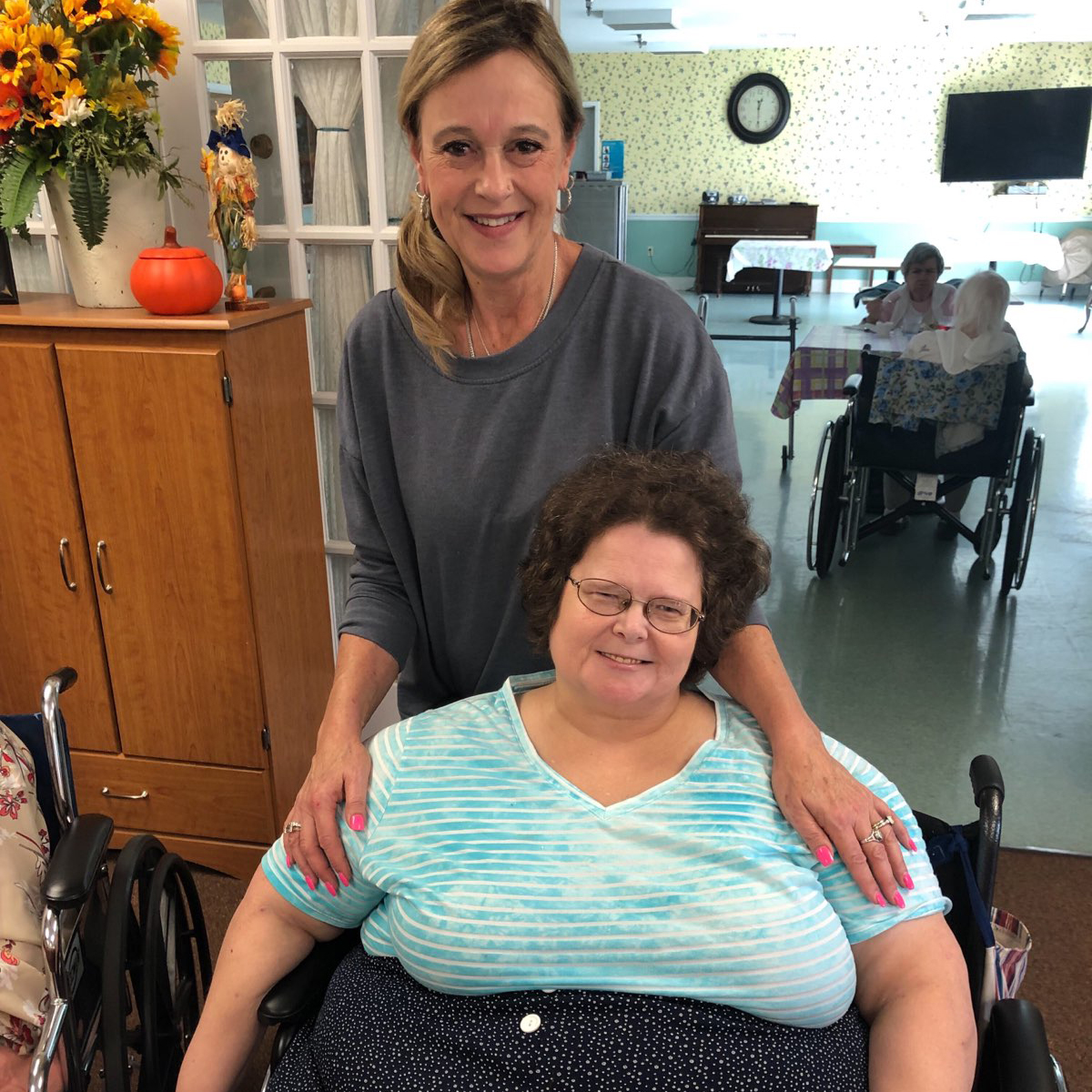Image of staff member with old woman at Kadima at Campbelltown Nursing and Rehabilitation Facility