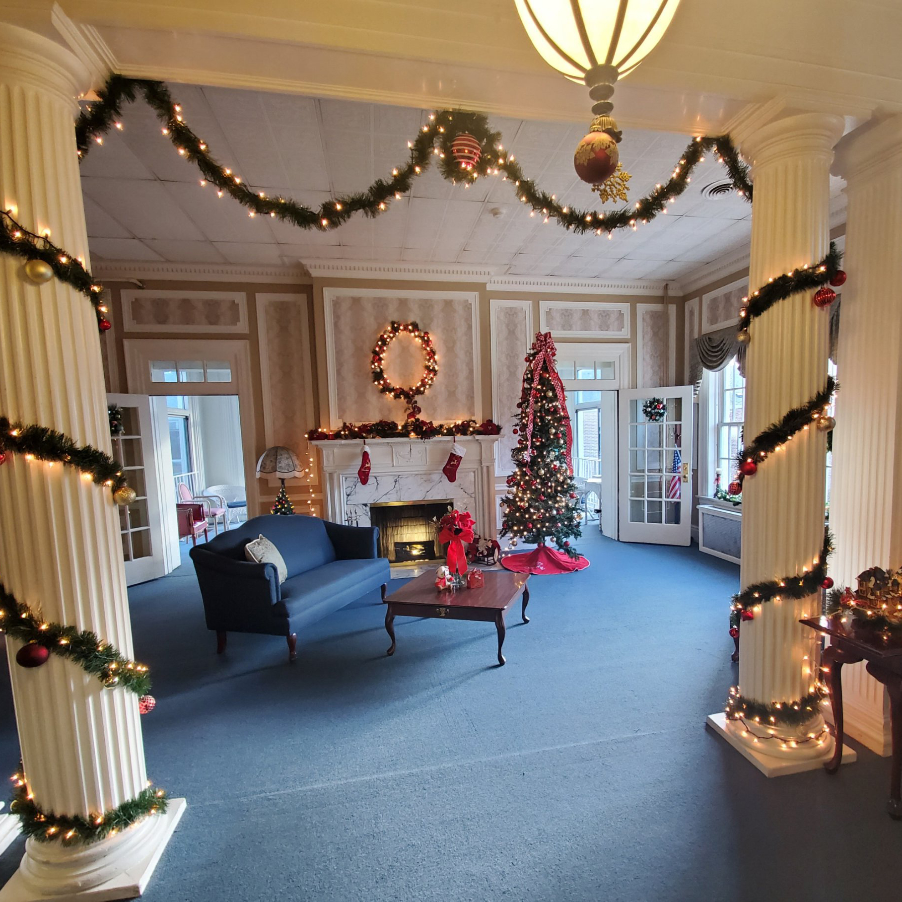 Lounge decorated for the holidays at Kadima at Lititz Nursing and Rehabilitation Facility