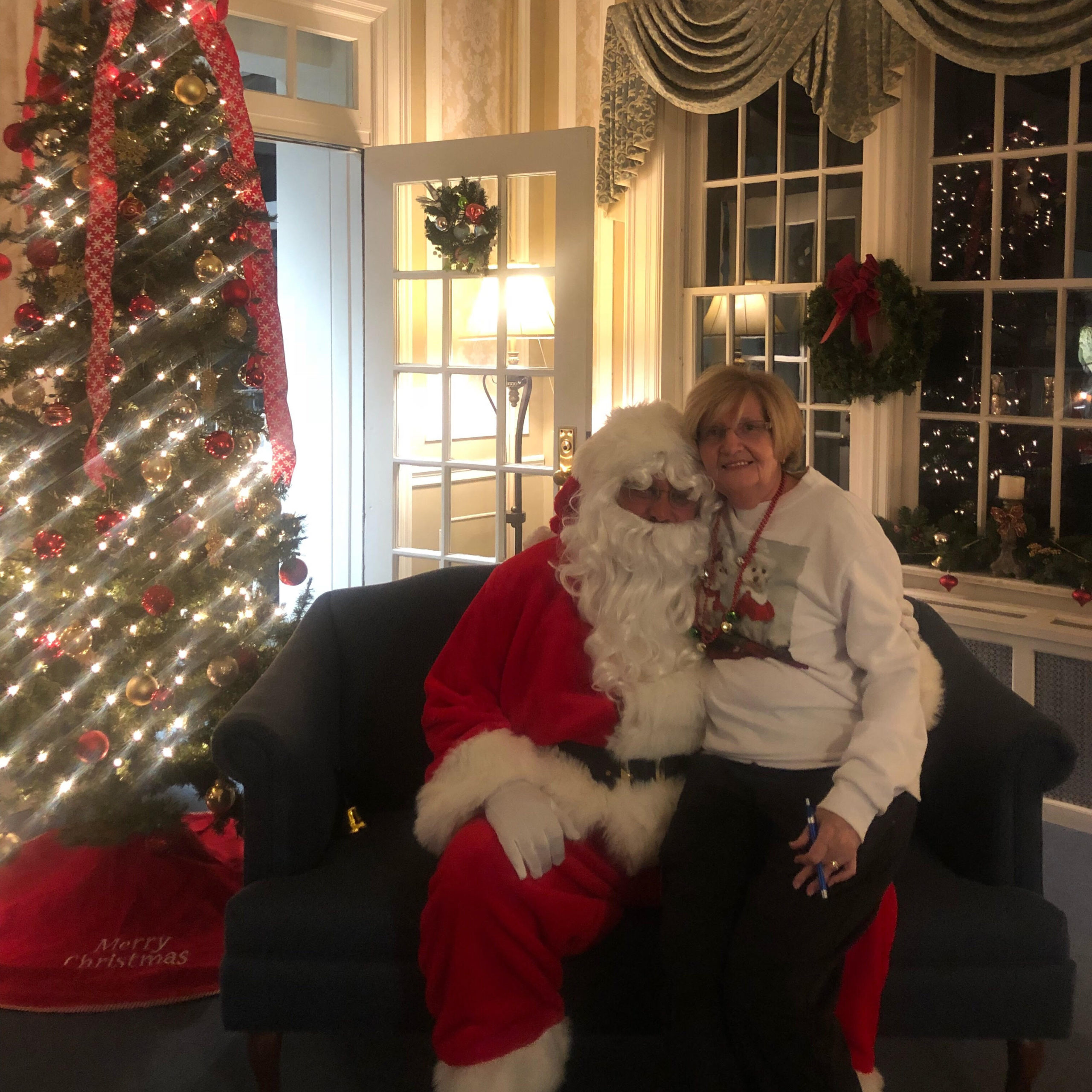 Santa posing with resident at Kadima at Lititz Nursing and Rehabilitation Facility